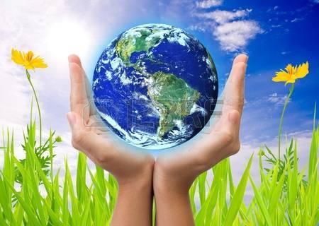 11068520-main-tenant-la-terre-sauvant-concept-de-la-terre-globe-terrestre-fourni-par-la-nasa